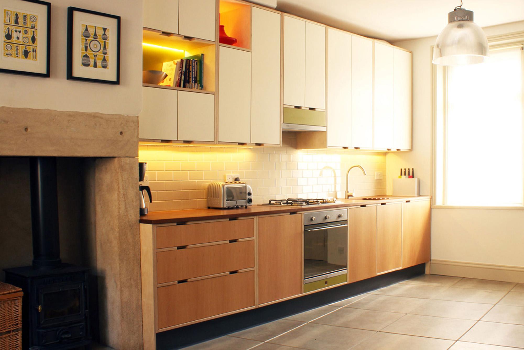 Oak veneered kitchen doors