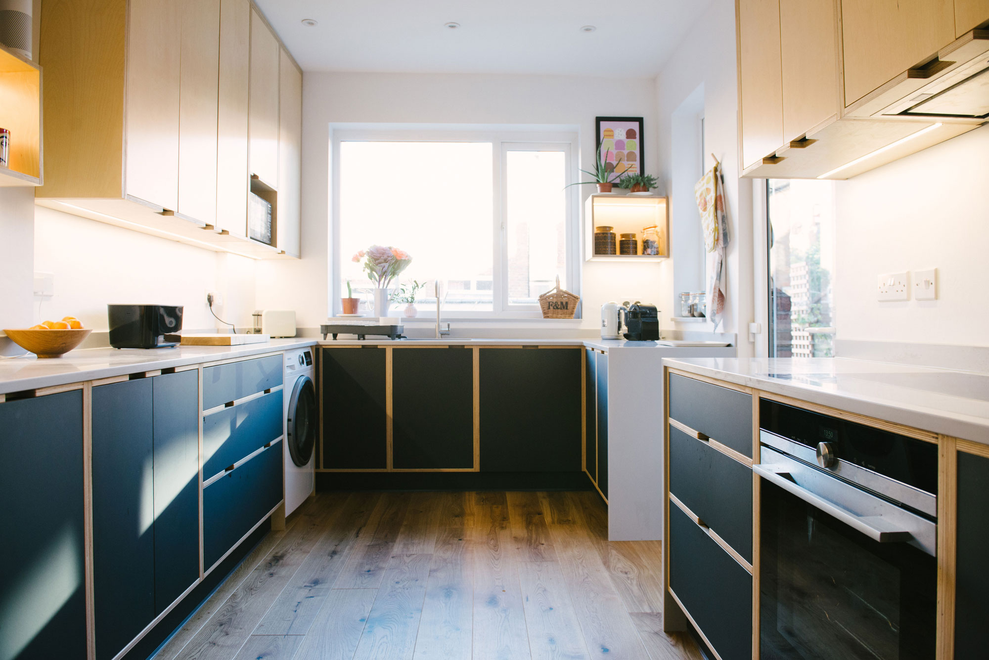 Black-and-Birch-Plywood-Kitchen