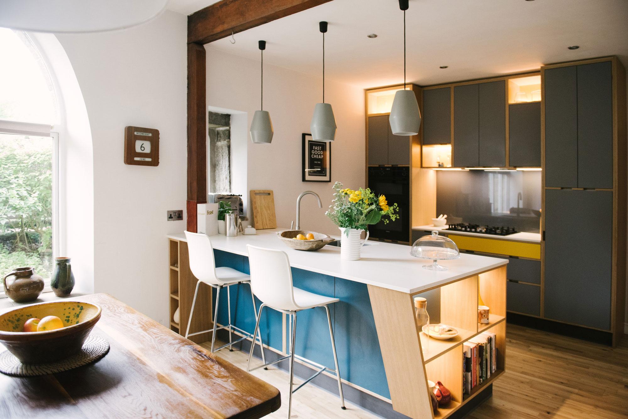 Plywood-Kitchen-Island