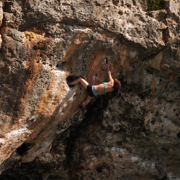 Ako Shillitoe climbing