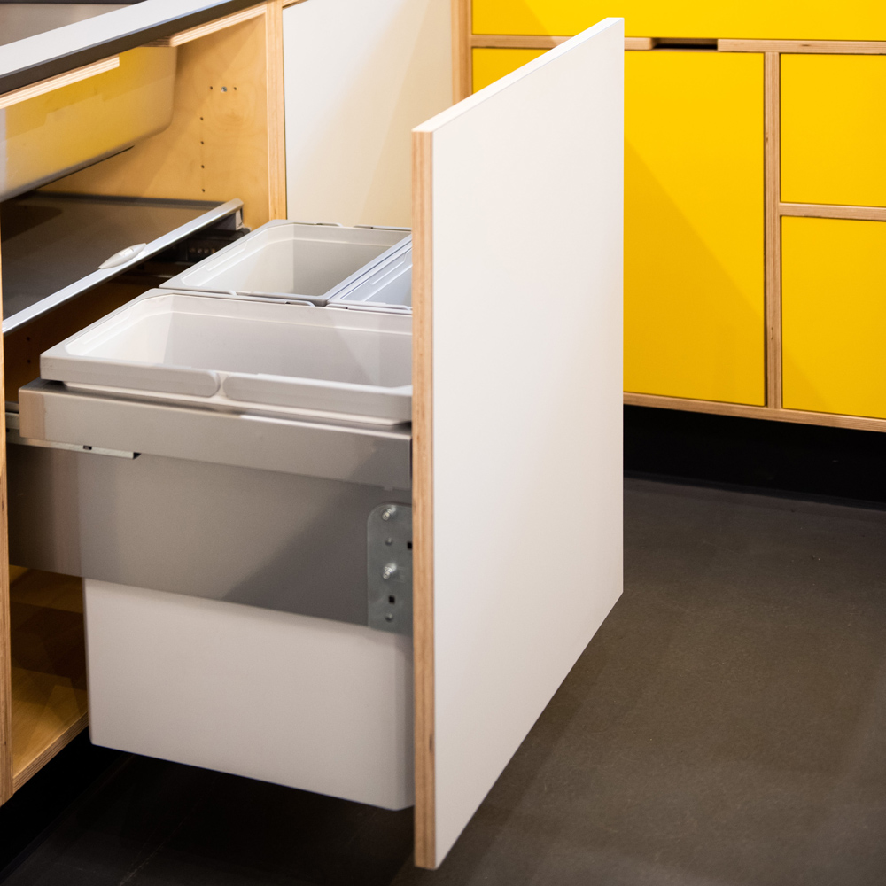 Recycling system for kitchen