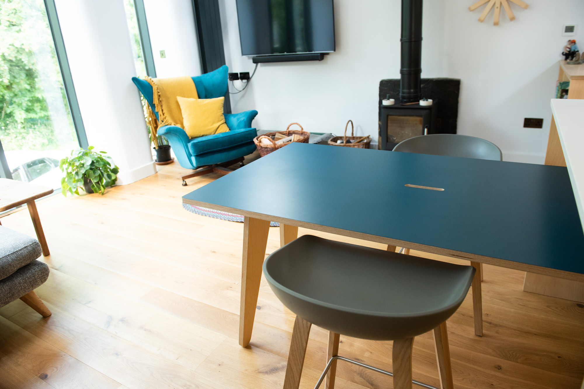 stow away dining table with 2 chairs